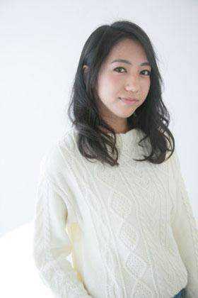 黒髪でもおしゃれにを楽しみたい大学生(JAPAN歴2年 20代前半)